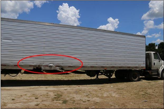 4、特斯拉把大货车误认为是一片云彩.jpg